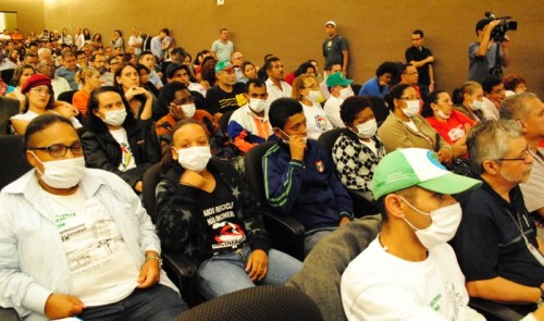 Waste pickers protest at a meeting about São Bernardo, São Paulo's installation of an incinerator. Credit: MNCR.