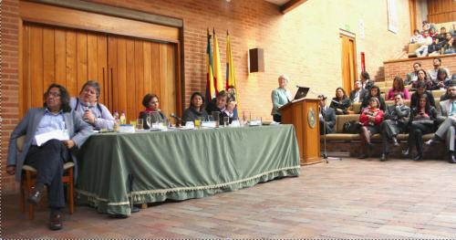 Debates sobre políticas inclusivas em Bogotá. (Foto: Federico Parra)