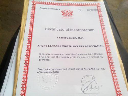 Certificado de registro da Associação de catadores do aterro de Kpone